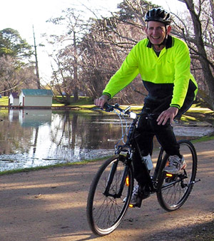 Tim Grosvenor enjoys cycling thanks to MaxONE that relieved his lower-back pain